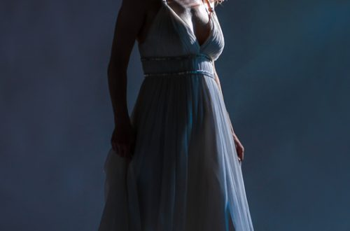 studio woman portrait