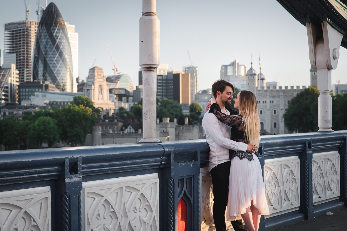 Romantic Tower Bridge London Engagement shoot 11 - 10 perfect ways to use engagement photos