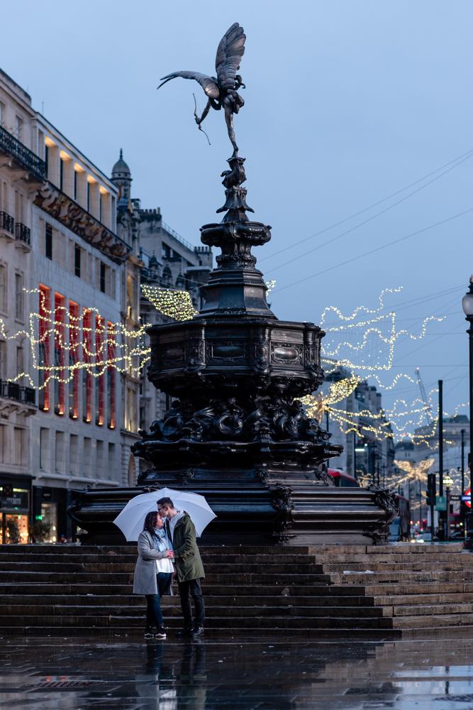 2020 12 03 Patrycja i Adrian 40 - How to plan Christmas Lights Couple Shoot   London
